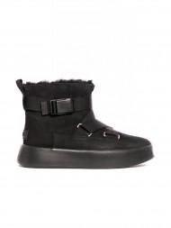 UGG / W Classic boom buckle boots black