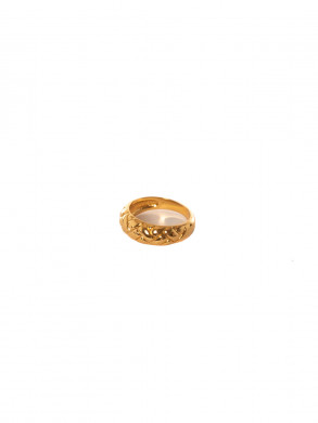 Domed waffle ring pale gold