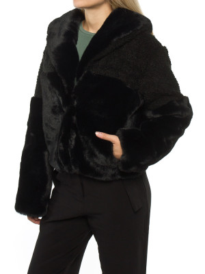 Carla fakefur jacket black 2 - invisable