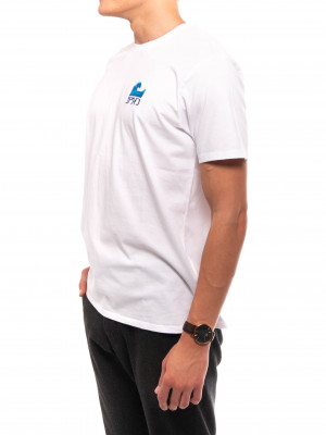 The wave t-shirt white 2 - invisable