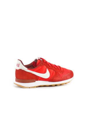 Internationalist wmns sneaker red 2 - invisable