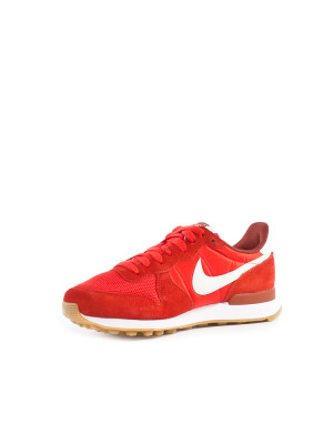 Internationalist wmns sneaker red 3 - invisable
