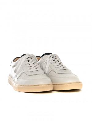 R18 sneaker white navy 3 - invisable