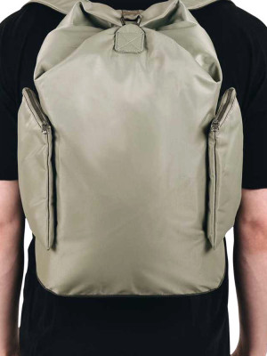Tora backpack willow green 3 - invisable