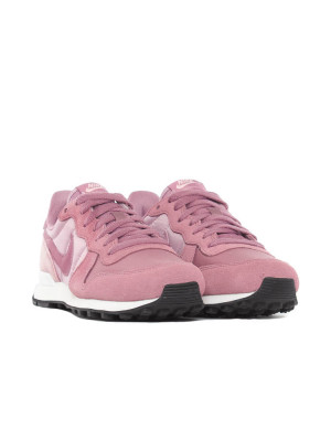 Wmns Internationalist sneaker plum 4 - invisable